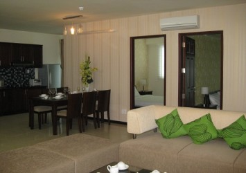 International Plaza Apartment for rent D1