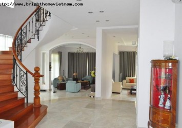 Villa for rent in Dang Huu Pho District 2