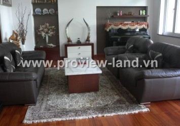 Beautiful villa for rent in District 3 near Le Van Tam Park
