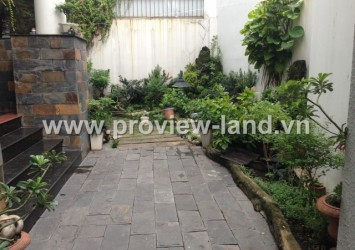 Villa for rent in District 1 next to Le Van Tam Park