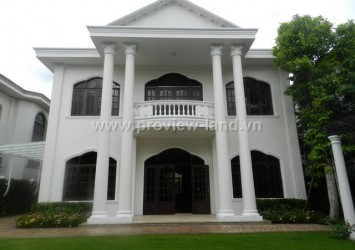 Villas for rent in Thao Dien compound 650m2 garden