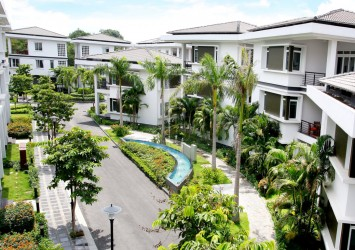 Ha Do Villas Compound District 10 for rent