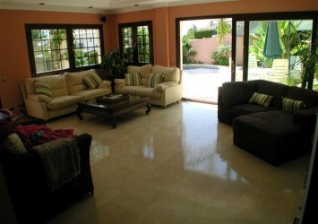 Nice Villa in Phu My Hung Area District 7 for Lease