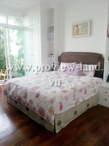 apartment-for-rent-at-the-vista-with-balcony-3-bedrooms_20131291448537 (Copy)