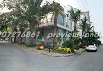 Villa for rent in Phu My Hung district 7 with 4 bedrooms