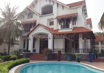 Villa on Tran Ngoc Dien St., for rent 5 bedroom pool and nice garden