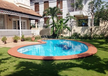 Villa Thao Dien 1 for rent 6 bedroom nice pool and garden
