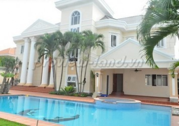 Villa for rent in compound Tran Nao 7 bedroom nice pool