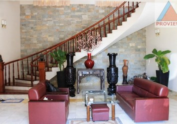 Villa in Thao Dien 2 for rent 400sqm nice furnish and river view