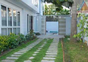 Villa for rent in Thao Dien 300 sqm with garden, best price