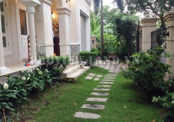 Villa Thao Dien 330sqm for rent with airy garden and nice furniture