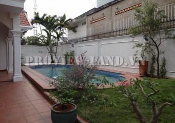 Villa in District 2 for rent attractive price location near The Vista An Phu