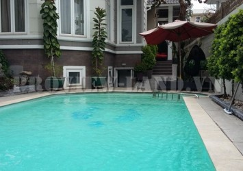 Villa for rent in Thao Dien with 600m2 nice pool