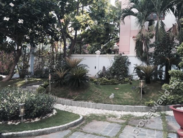Bán-biệt-thự-đường-Nguyễn-Văn-Hưởng-820m2-4