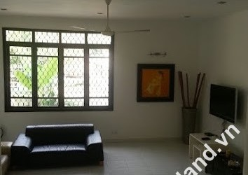 Villa in An Phu for rent 3 bedrooms big garden