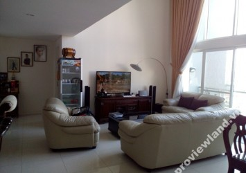 Penthouse Apartment for rent Estella 271 sqm