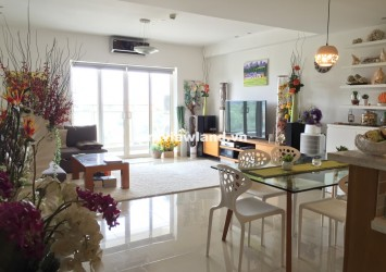 Leasing apartment in River Garden with 3 bedrooms nice view to Saigon river