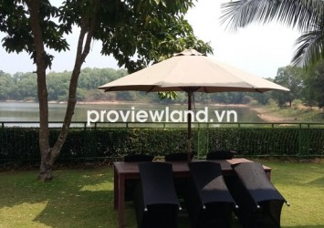 Lakeview villa for rent in District 9 has 500 sqm of area near lake and Thu Duc golf course