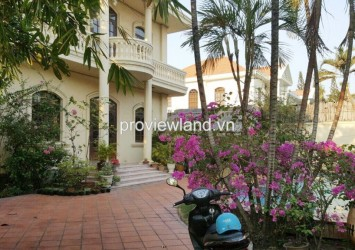 Villa for rent on Dang Huu Pho Street 3 bedrooms has pool and garden