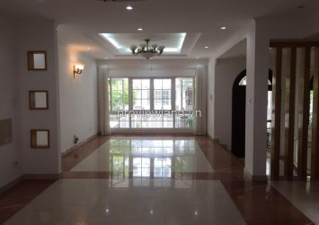 Saigon Pearl villa for rent 4 bedrooms 7x21 sqm in villa compound