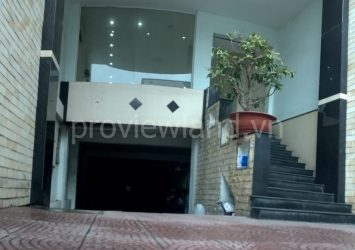 Villa for rent in Nguyen Thien Thuat street three storey area of 500m2 with basement