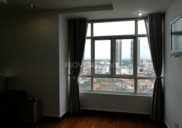Apartment with 4 bedrooms for rent at Hoang Anh River View good price nice view