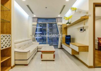 Vinhome Central Park has a high floor with Park 3 apartment with 2 bedrooms for rent