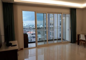 Xi Riverview apartment for sale with 3 bedrooms low floor river view