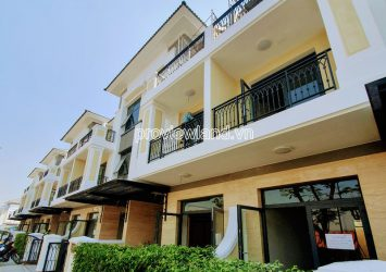 Verosa Park townhouse D9 for sale 3 floors 6x18m receive furniture package worth 1 Billion VND
