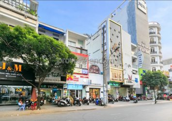 House for rent on Le Thi Rieng street in District 1, 67m2 with 4 floors, suitable for business