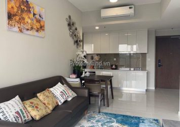 Masteri An Phu 2-bedroom apartment for rent with pool view
