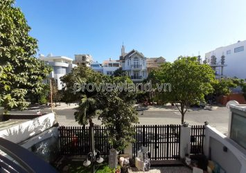 Villa for rent in District 2 frontage area 250m2
