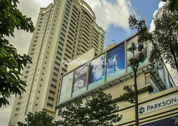 Hung Vuong Plaza for sale apartment with 3 bedrooms high floor block B view swimming pool
