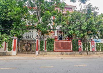 Thao Dien Villa, 3 fronts of Nguyen Van Huong, area 739m2, 4 floors