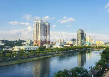 Office building river view for sale in District 8 with 4 floors 7 rooms
