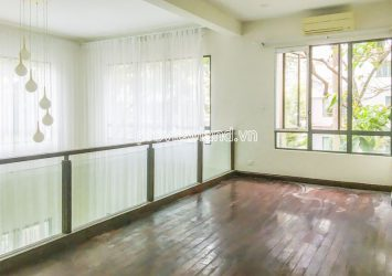Villa Riviera for rent in District 2 with corner 2 frontage and garden
