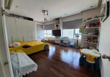 For sale 2 units assembled in Saigon Pearl, with 3 bedrooms, wall-mounted