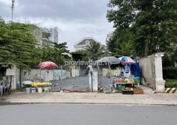 Land for sale in District 2, front of Quoc Huong street with area of 262.6m2